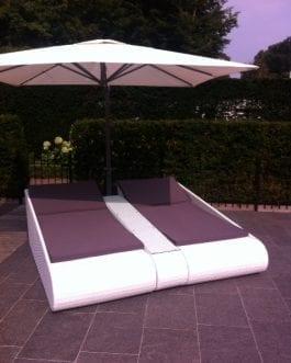 Duo Beachlounger Villefranche met parasol Torino bezorgd in Blaricum